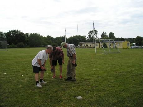 Varje sommar arrangeras klubbmästerskap i boule och varpa